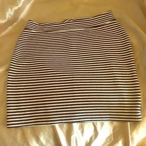 Cute black and white striped GAP skirt